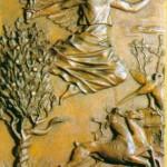 Pierwsza kwatera przedstawia scenę wygnania z raju pierwszych rodziców.  Artysta ukazuje groźnego anioła. Anioł płynie po niebie. Ma rozpostarte skrzydła i rozwiane włosy. W prawicy trzyma płonący miecz, a lewą ręką wskazuje Adamowi i Ewie bramę, przez którą mają się wynieść z raju. Po lewej stronie rośnie nieszczęsne drzewo pokryte krągłymi owocami, a owinięty wokół jego pnia wąż syczy jeszcze, wysuwając język. Po prawej stronie ucieka spłoszona para zwierząt, sarna z jeleniem. Do odlotu szykuje się ptak...