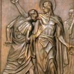 Kwatera trzynasta stanowi ilustrację wydarzenia z niewiernym Tomaszem. Tak się go zwykło nazywać, ale nie chodzi przecież o jego niewierność, lecz o niedowierzanie, wątpliwości. A któż ich nie miewa w sprawach wiary? Większość ludzi, póki nie zobaczy czegoś na własne oczy, nie uwierzy. Artysta ukazuje na płycie właśnie ten moment. Na środku stoi Jezus i podnosi prawą rękę, żeby ułatwić Tomaszowi dokładnie oględziny swego boku. Niedowierzający uczeń nachyla się nad raną, dotyka jej krawędzi własnymi, smukłymi palcami. Jeszcze nie wie, jeszcze do niego nie dotarło... Consorti ukazał Tomasza jako człowieka w sile wieku, z gładko przyczesanymi włosami. Czy nie jest to przypadkiem autoportret artysty. Gdy kończył swe dzieło, miał około pięćdziesiątki. Pod belkami stropu biegną słowa Jezusa: Beati qui... crediderunt - Błogosławieni, którzy ... uwierzyli. Cytat z powodu braku miejsca jest skrócony, powinien brzmieć: Błogosławieni, którzy nie widzieli, a uwierzyli (J 29,29).