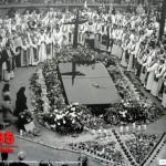 Modlitwa kapłanow Archidiecezji Warszawskiej u grobu ks. Jerzego Popiełuszki